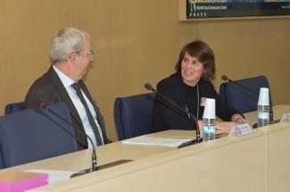 Lucía de Juan and Jostein Dragset presents the VII Workshop EU-RL for Bovine Tuberculosis