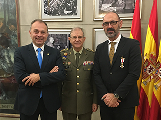 Joaquín Goyache awarded the Military Merit Cross
